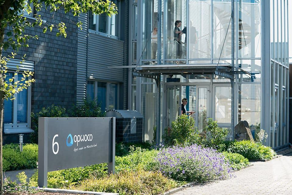 Eingang in das Firmen Gebäude