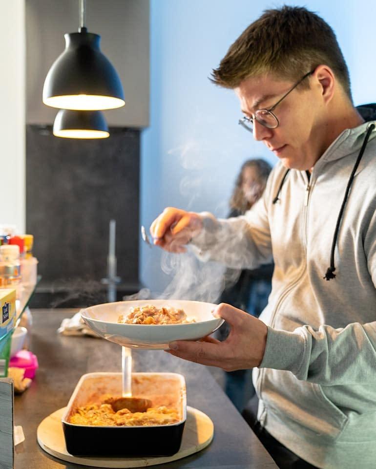 Frisch gekochtes Essen in der Mittagspause